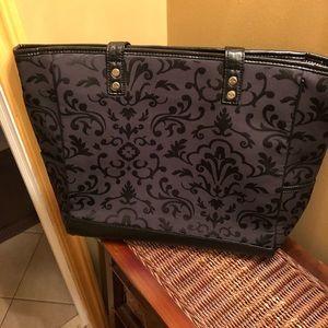 Quilted zipper shoulder bag